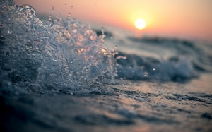 sea_waves_wallpaper_by_feliskachu-d5rzz4r